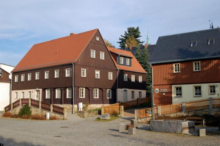 Hinterhermsdorf, Dorfplatz