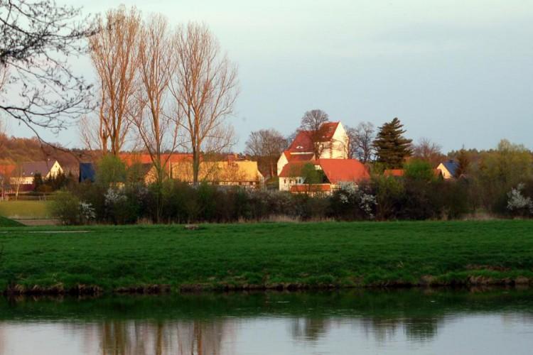 Höfgen, Dorfansicht über die Mulde