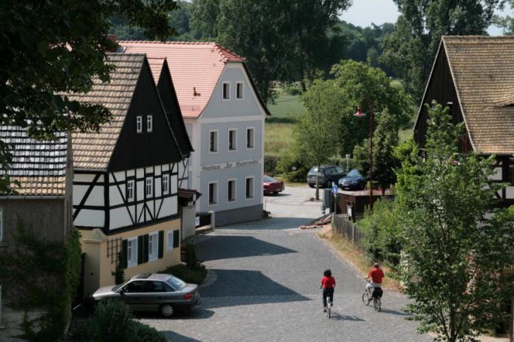 Höfgen, Dorfstraße