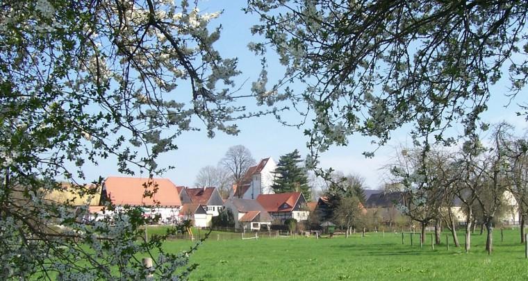 Frühling im Dorf der Sinne